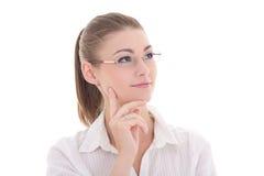 Πορτρέτο της νέας όμορφης επιχειρησιακής γυναίκας στα γυαλιά που ονειρεύεται το ι Στοκ Φωτογραφίες