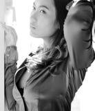 Πορτρέτο της προκλητικής ασιατικής γυναίκας, γραπτό στοκ φωτογραφία με δικαίωμα ελεύθερης χρήσης