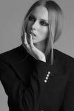 Πορτρέτο της όμορφης γυναίκας με τη σύνθεση και Στοκ φωτογραφία με δικαίωμα ελεύθερης χρήσης