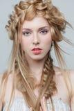 Πορτρέτο της όμορφης γυναίκας με το makeup και Στοκ εικόνες με δικαίωμα ελεύθερης χρήσης