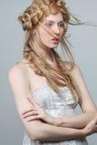 Πορτρέτο της όμορφης γυναίκας με το makeup και Στοκ Εικόνες