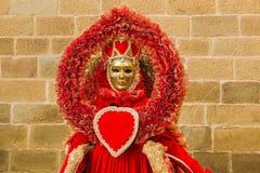 Πορτρέτο της όμορφης μάσκας καρναβαλιού της βασίλισσας καρδιών Στοκ Εικόνες