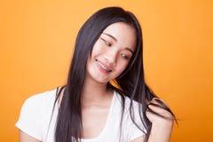 Πορτρέτο της όμορφης νέας ασιατικής γυναίκας στοκ εικόνα