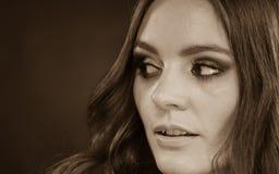 Πορτρέτο της όμορφης νέας γυναίκας με το makeup Στοκ εικόνα με δικαίωμα ελεύθερης χρήσης