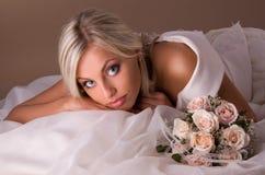 Πορτρέτο της όμορφης ξανθής νύφης Στοκ εικόνα με δικαίωμα ελεύθερης χρήσης