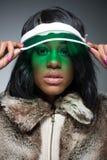 Πορτρέτο της όμορφης fasionable μαύρης γυναίκας Στοκ Εικόνα