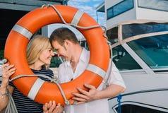 Πορτρέτο του άνδρα και της γυναίκας στο πλαίσιο Στοκ φωτογραφία με δικαίωμα ελεύθερης χρήσης