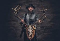 Πορτρέτο του ατόμου κυνηγών Στοκ εικόνα με δικαίωμα ελεύθερης χρήσης