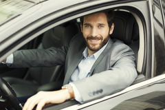Πορτρέτο του ατόμου στο αυτοκίνητό του κάμερα Στοκ εικόνες με δικαίωμα ελεύθερης χρήσης