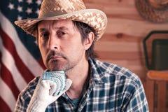 Πορτρέτο του βέβαιου αμερικανικού αρσενικού αγρότη στοκ εικόνες
