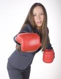 Πορτρέτο του εγκιβωτισμού επιχειρησιακών γυναικών στα κόκκινα γάντια. επιχειρησιακή δραστηριότητα Στοκ Εικόνες