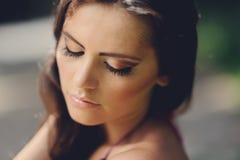 Πορτρέτο του ελκυστικού κοριτσιού στοκ φωτογραφίες με δικαίωμα ελεύθερης χρήσης