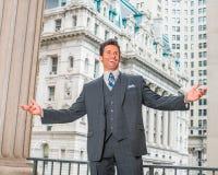Πορτρέτο του επιτυχούς αμερικανικού επιχειρηματία Μεσαίωνα σε νέο Yo στοκ φωτογραφία