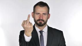 Πορτρέτο του επιχειρηματία γενειάδων που παρουσιάζει μέσο δάχτυλο φιλμ μικρού μήκους