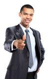 Πορτρέτο του ευτυχούς αφρικανικού επιχειρησιακού ατόμου που δείχνει σε σας ενάντια Στοκ φωτογραφία με δικαίωμα ελεύθερης χρήσης