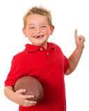 Πορτρέτο του ευτυχούς παιδιού με το ποδόσφαιρο που απομονώνεται στοκ εικόνα