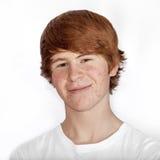 Πορτρέτο του ελκυστικού ευτυχούς αγοριού στοκ εικόνες με δικαίωμα ελεύθερης χρήσης