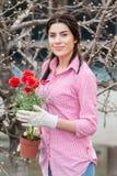 Πορτρέτο του καλού εργαζομένου κήπων θηλυκών Στοκ Εικόνες