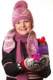 Πορτρέτο του κοριτσιού στο χειμερινό ιματισμό της συγκίνησης Στοκ Φωτογραφίες