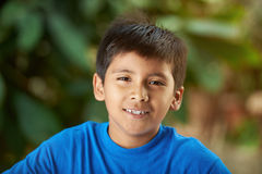 Πορτρέτο του μικρού ισπανικού αγοριού Στοκ φωτογραφία με δικαίωμα ελεύθερης χρήσης