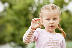 Πορτρέτο του μικρού κοριτσιού Στοκ Εικόνες