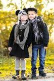 Πορτρέτο του μικρού παιδιού και του κοριτσιού Στοκ φωτογραφίες με δικαίωμα ελεύθερης χρήσης