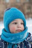 Πορτρέτο του μικρού παιδιού το χειμώνα υπαίθρια Στοκ φωτογραφίες με δικαίωμα ελεύθερης χρήσης