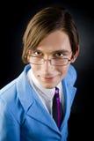 Πορτρέτο του μοντέρνου νεαρού άνδρα στοκ εικόνα με δικαίωμα ελεύθερης χρήσης
