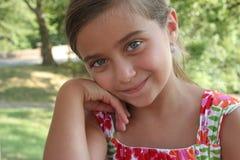 Πορτρέτο του νέου κοριτσιού. Στοκ φωτογραφία με δικαίωμα ελεύθερης χρήσης