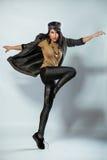 Πορτρέτο του νέου χορεύοντας κοριτσιού στοκ εικόνες