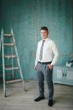 Πορτρέτο του νεόνυμφου στο στούντιο Στοκ εικόνα με δικαίωμα ελεύθερης χρήσης