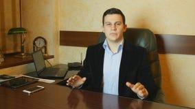 Πορτρέτο του ομιλούντος επιχειρηματία απόθεμα βίντεο