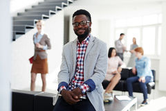 Πορτρέτο του υπαλλήλου αφροαμερικάνων στοκ φωτογραφία με δικαίωμα ελεύθερης χρήσης