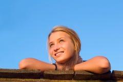 Πορτρέτο του χαμογελώντας κοριτσιού Στοκ Εικόνα