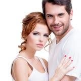 Πορτρέτο του όμορφου ελκυστικού ευτυχούς ζεύγους Στοκ φωτογραφία με δικαίωμα ελεύθερης χρήσης
