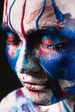 Πορτρέτο του όμορφου κοριτσιού με τη δημιουργική τέχνη makeup στοκ εικόνες