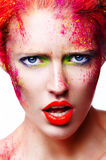 Πορτρέτο του όμορφου κοριτσιού με τη φωτεινή κινηματογράφηση σε πρώτο πλάνο makeup Στοκ φωτογραφία με δικαίωμα ελεύθερης χρήσης