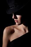 Πορτρέτο του όμορφου κοριτσιού στο καπέλο στοκ φωτογραφίες με δικαίωμα ελεύθερης χρήσης