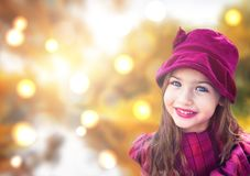 Πορτρέτο του όμορφου μικρού κοριτσιού με το υπόβαθρο bokeh Στοκ Εικόνα