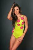 Πορτρέτο του όμορφου μοντέλου μόδας μπανιερών του Λατίνα στοκ φωτογραφία