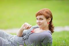 Πορτρέτο του redhead κοριτσιού Στοκ εικόνα με δικαίωμα ελεύθερης χρήσης