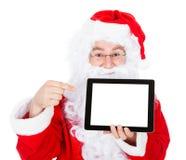 Πορτρέτο του santa που δείχνει στην ψηφιακή ταμπλέτα Στοκ εικόνα με δικαίωμα ελεύθερης χρήσης