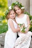 Πορτρέτο των αδελφών μικρών κοριτσιών Στοκ φωτογραφία με δικαίωμα ελεύθερης χρήσης