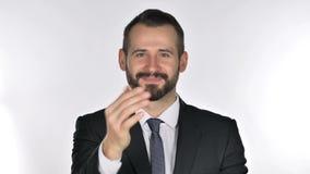 Πορτρέτο των προσκαλώντας πελατών επιχειρηματιών γενειάδων και με τα δύο χέρια φιλμ μικρού μήκους