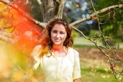 Πορτρέτο φθινοπώρου με ashberry Στοκ εικόνα με δικαίωμα ελεύθερης χρήσης