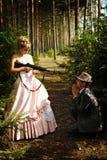 Πορτρέτο δύο κακοποιών με τα πυροβόλα όπλα Στοκ Εικόνες