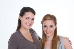 Πορτρέτο δύο όμορφων κοριτσιών Στοκ Φωτογραφία