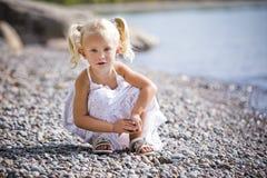Πορτρέτο gir λίγο στην παραλία Στοκ φωτογραφίες με δικαίωμα ελεύθερης χρήσης