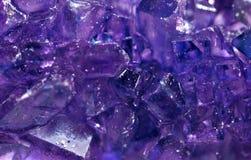 πορφυρός βράχος κρυστάλλων καραμελών στοκ φωτογραφία με δικαίωμα ελεύθερης χρήσης