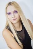 Πορφυρός Eyed ξανθός Στοκ φωτογραφία με δικαίωμα ελεύθερης χρήσης